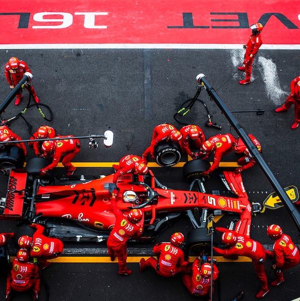 Pit Crew_Vettel_Ferrari